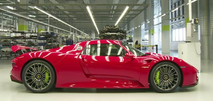 porsche-918spyder-behindthescenes-080715-feature