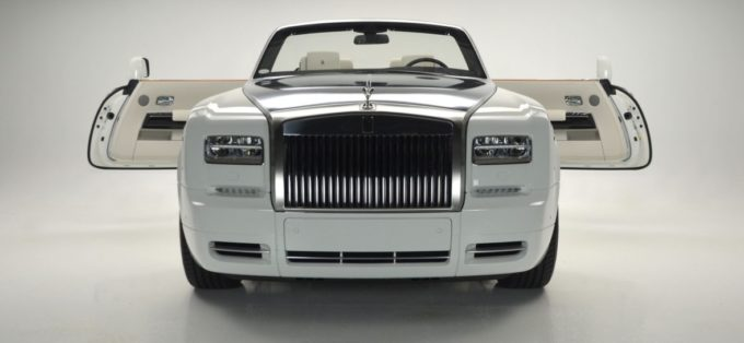 English White 2017 Rolls-Royce Phantom Drophead Coupe Series II For Sale